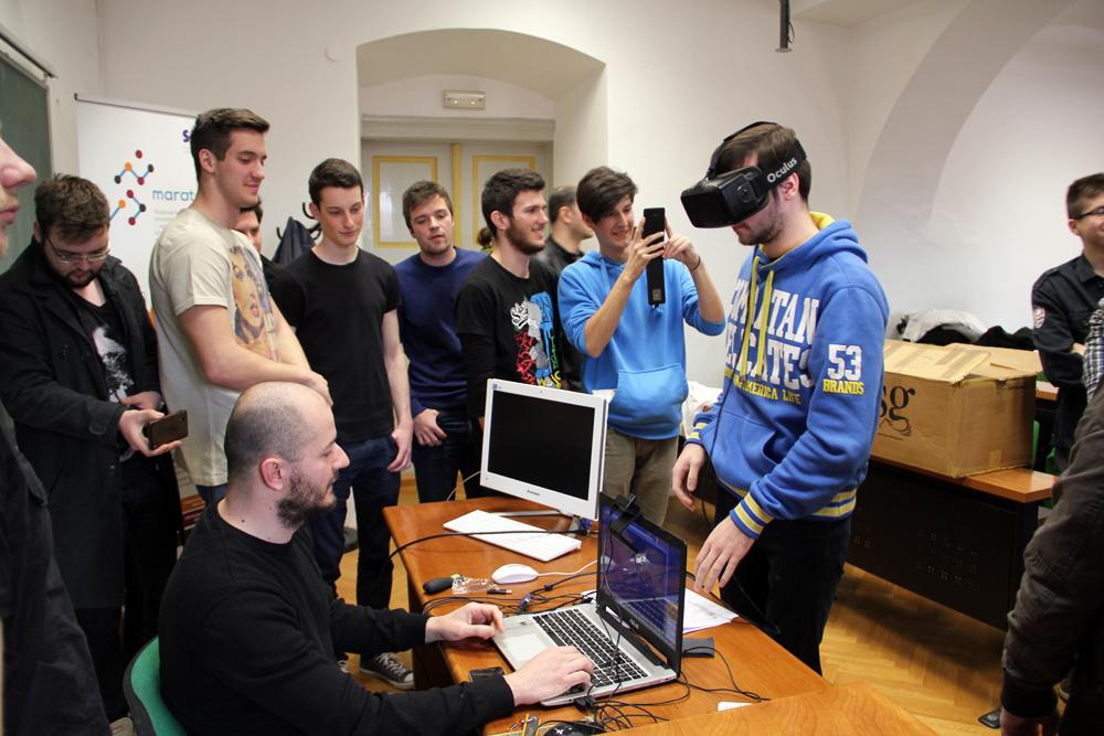 Studenti_Oculus_Rift_FOI_Info_dan_1